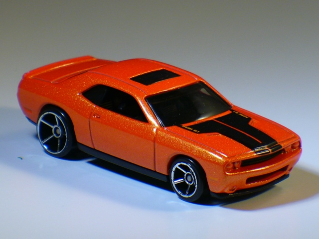 File:08DodgeChallengerSRT8Orange.JPG