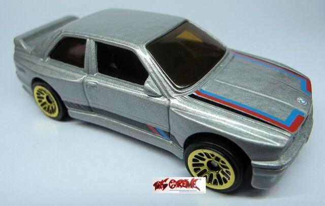 File:'92 BMW M3-SILVER-4.jpg