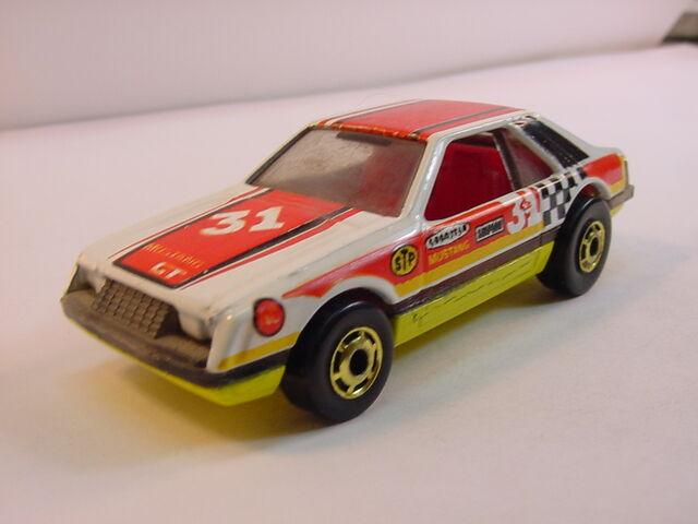 File:1984 Turbo mustang White mala.jpg