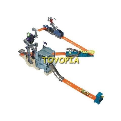 File:Trick-tracks-bionic-battle-set-hot-wheels.jpg
