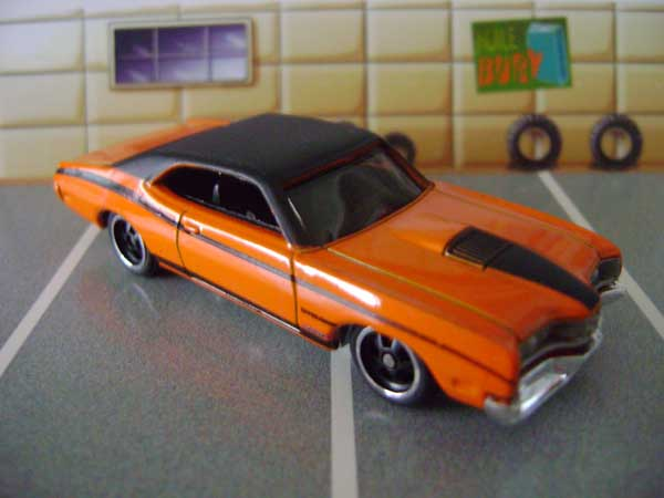 File:Mercurycyclone.orange.jpg