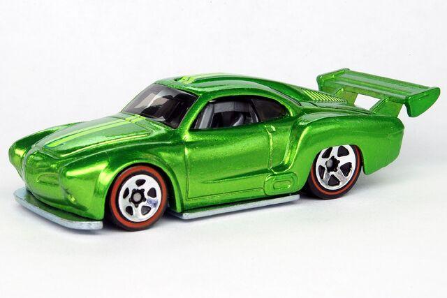 File:Volkswagen Karmann Ghia Classics Green - 8784df.jpg