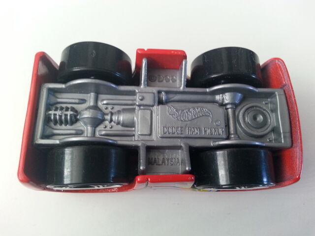 File:Dodge Ram Pickup (Blings) underside.jpg