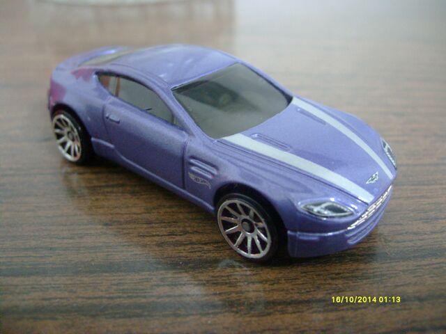 File:Aston Martin V8 Vantage Purple.JPG
