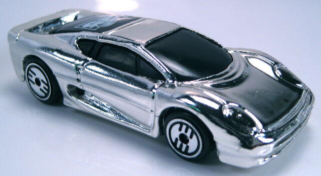 File:Jaguar xj220 chrome 25th anniversary 5-pack UH chrome Mal base.JPG