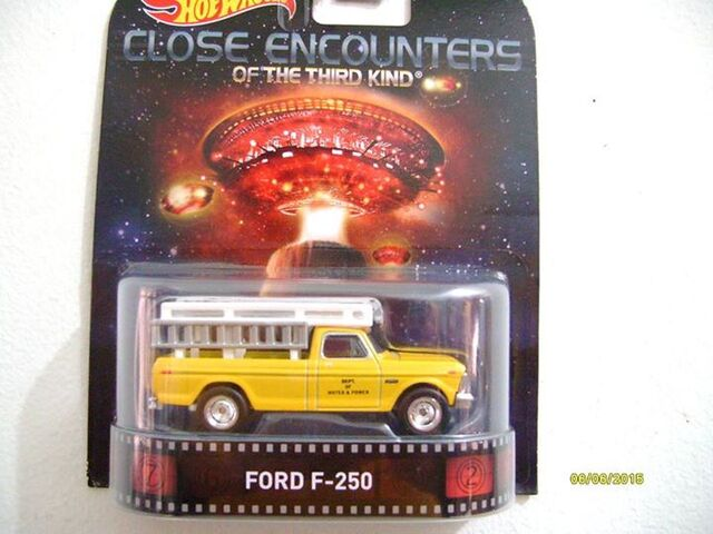 File:F250 close encounters of the third kind retro.jpg
