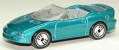 File:Camaro Convertible GrnUHL.JPG