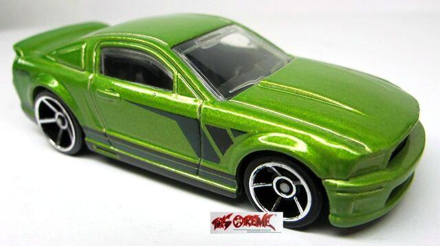File:'07 Ford Mustang-Regular.jpg