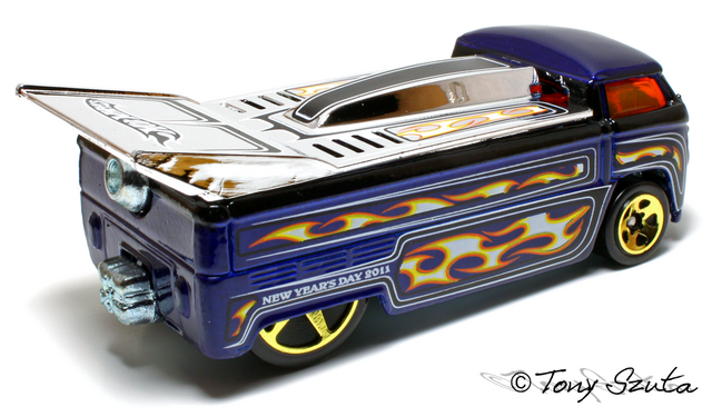 File:2011 new years drag truck rear.png