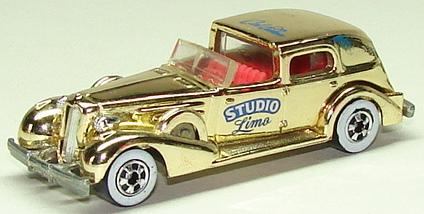 File:'35 Classic Caddy Gld.JPG