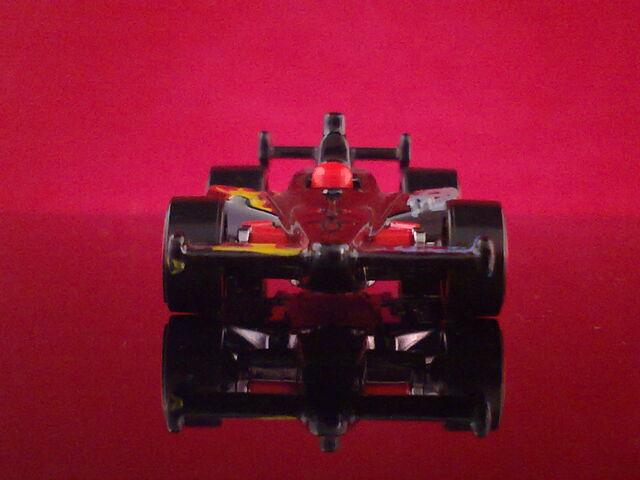File:HT N8 2011 IndyCar Oval Course Race Car - V5330 - Dan Wheldon 010520132245.jpg