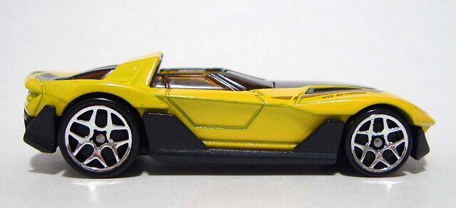 File:HW Yur-So-Fast Yellow 05 DSCF7958.jpg