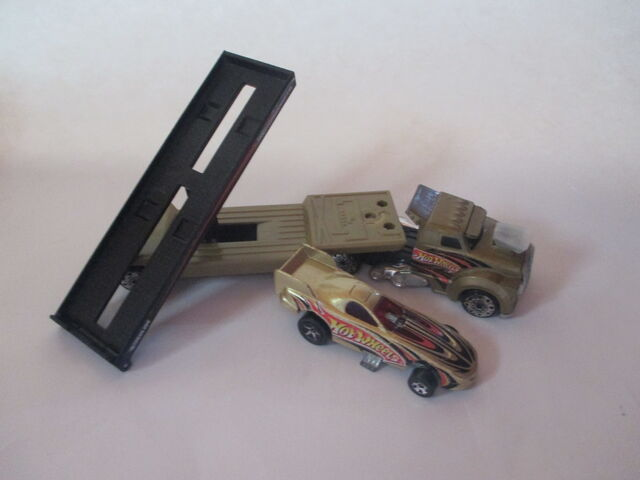 File:Semi And Funny Car.JPG