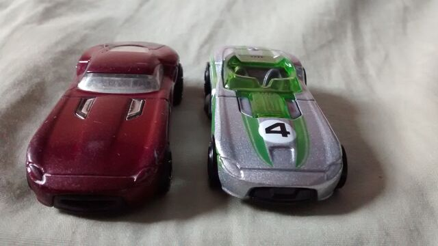 File:Fast felion and Rroadster.jpg