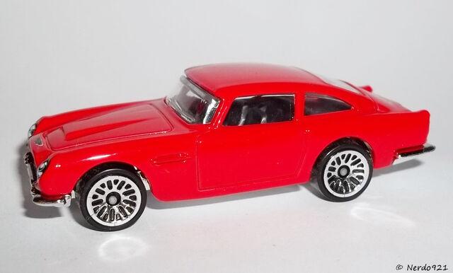 File:HW-2016-101-Aston Martin 1963 DB5-ThenAndNow.jpg