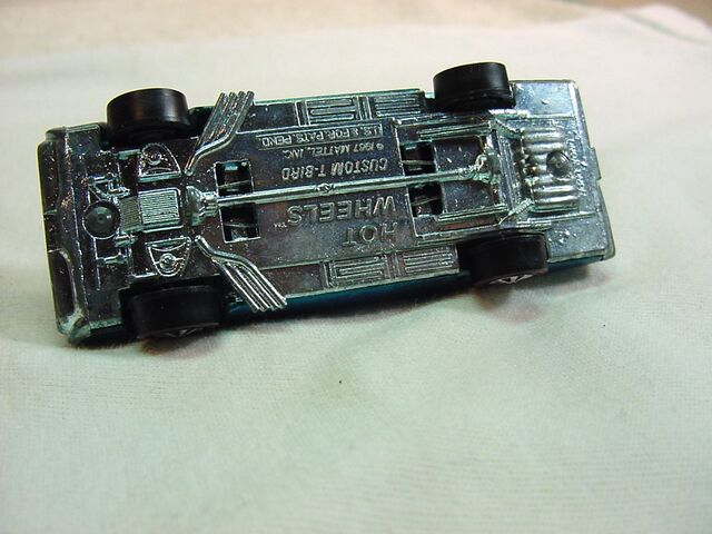 File:1968 Custom T-Bird Hong Kong BAse.jpg