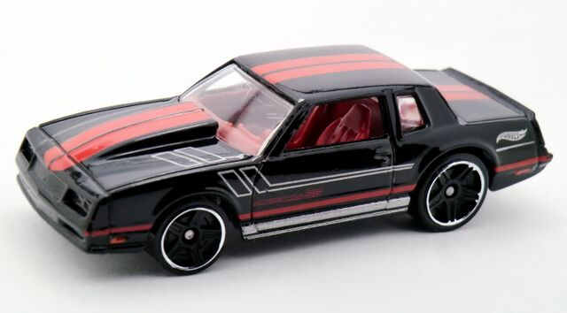 File:'86 Chevy Monte Carlo SS-2015 230.jpg
