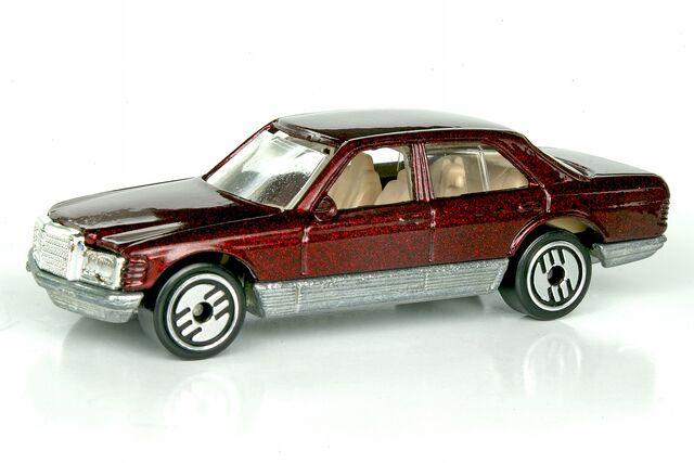 File:Mercedes 380 SEL - 01753cf.jpg