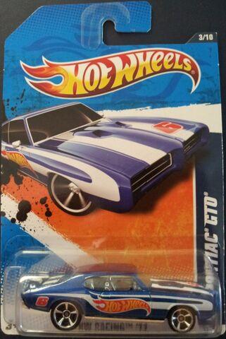 File:HW-2011 '69 Pontiac GTO.jpg