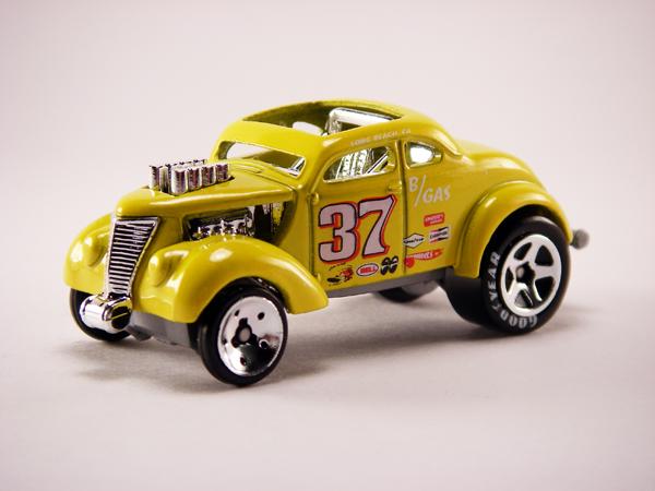 File:Pass'n Gasser (08) Yellow.jpg