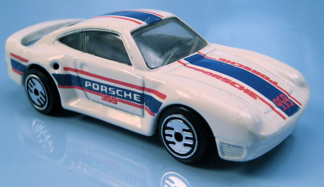 File:Porsche 959 white, black int, UH, metal MAL base.JPG