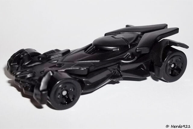 File:HW-2016-230-Batmobile-Batman.jpg