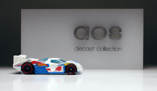 File:24 Ours (white hw racing).jpg