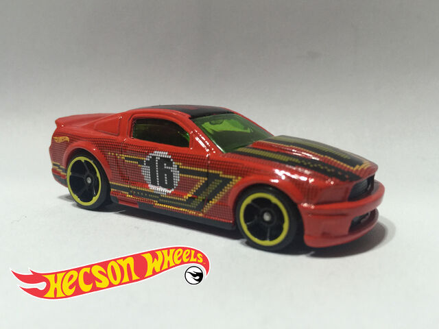 File:HW Art Cars - 2016 - '07 Ford Mustang.jpg