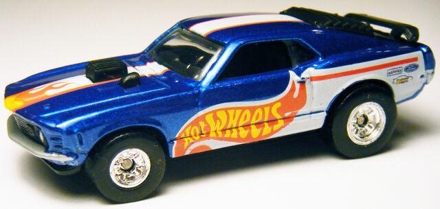 File:Mustang Mach I - Power Tour.JPG