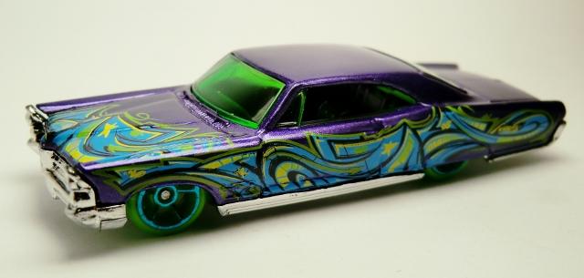 File:'65 Pontiac Bonneville-2013 35 Graffiti Rides.jpg