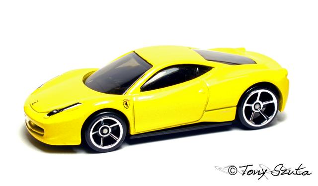 File:Ferrari 458 italia yellow 2011.png