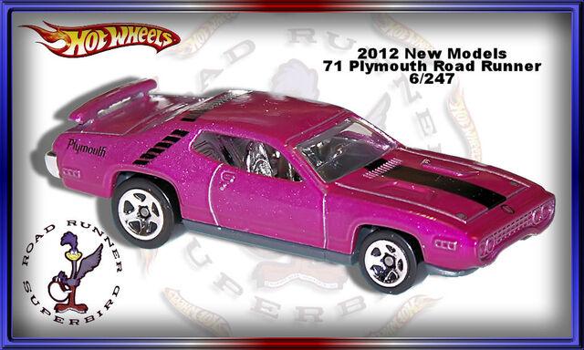 File:2012 71 Plymouth Road Runner New Models.jpg