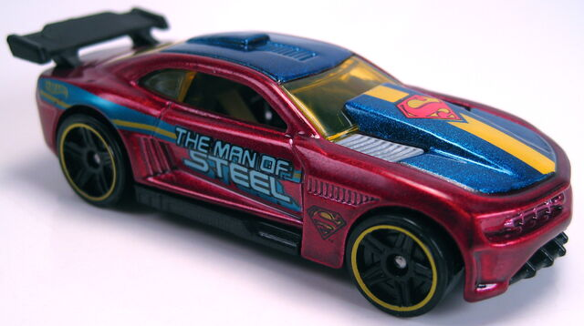 File:Custom '11 Camaro Superman Man of Steel Kroger 2013.JPG