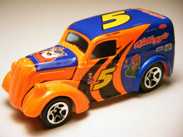 File:Anglia Panel Truck - 01 HW Racing Kelloggs.jpg