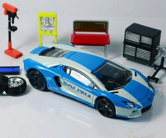 File:Lamborghini Aventador Polizia By Tutumi.jpg
