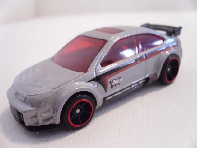 File:'08 Ford Focus (800x600).jpg