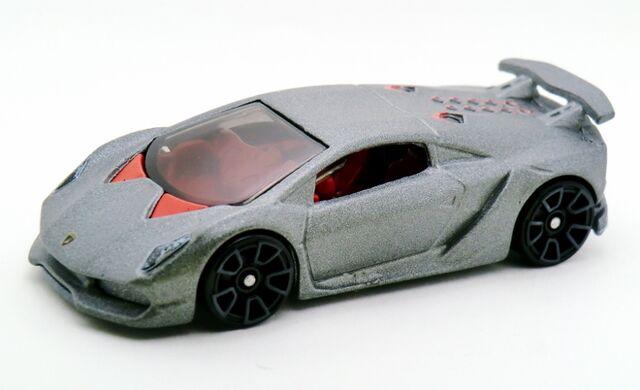 File:Lamborghini Sesto Elemento-2014 039.jpg