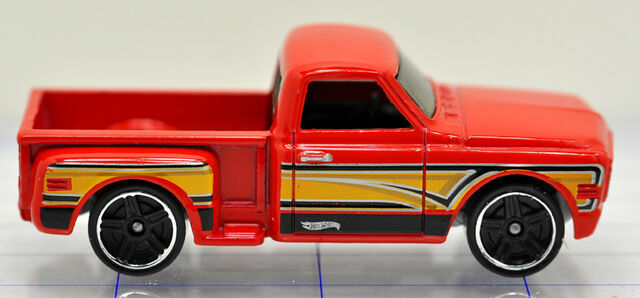 File:69-chevrolet-pick up-red-hw (2).jpg