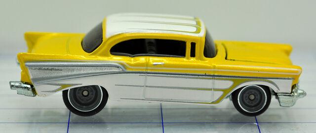 File:57-chevrolet-belair 2door-yellow-hw (2).jpg