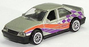 File:Peugeot 405 SlvLW.JPG