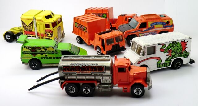 File:Trucks miguel alegria.jpg