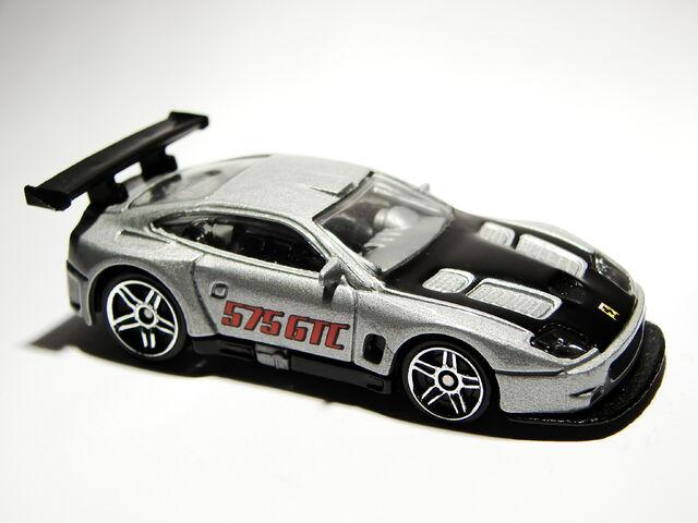 File:Ferrari 575 GTC 04.JPG