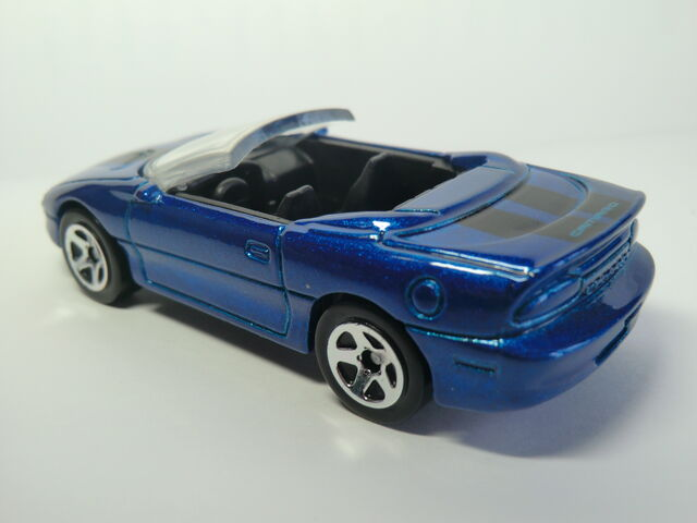 File:Camaro 95 CIMG1639.JPG