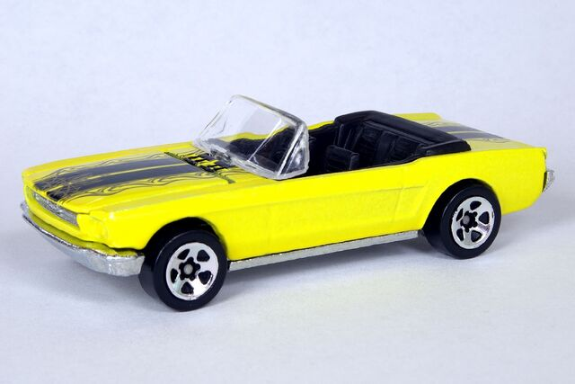 File:5-Pack '65 Mustang Convertible - 5993df.jpg