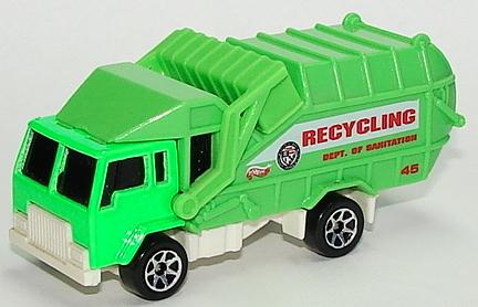 File:Recycling Truck Grn7sp.JPG