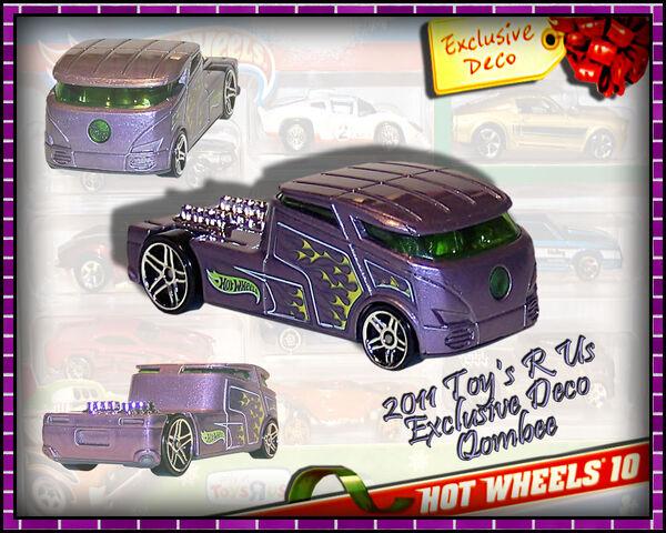 File:2011 Toys R Us Exclusive Deco Qombee.jpg