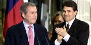 Bush resings as Texas' 46th Governor-December 21, 2000
