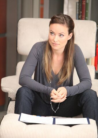 File:Promotional-Photo-for-8x03-Charity-Case-house-md-25983353-1707-2560.jpg