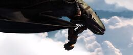 How-to-train-your-dragon-2-teaser-trailer-screenshot-toothless-upside-down