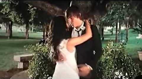 HIGH SCHOOL MUSICAL 3 TROY & GABRIELLA KISSING SCENE HIGH QUALITY-1